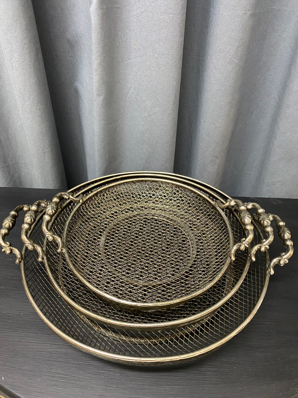 TRAYS - ROUND - SET OF 3