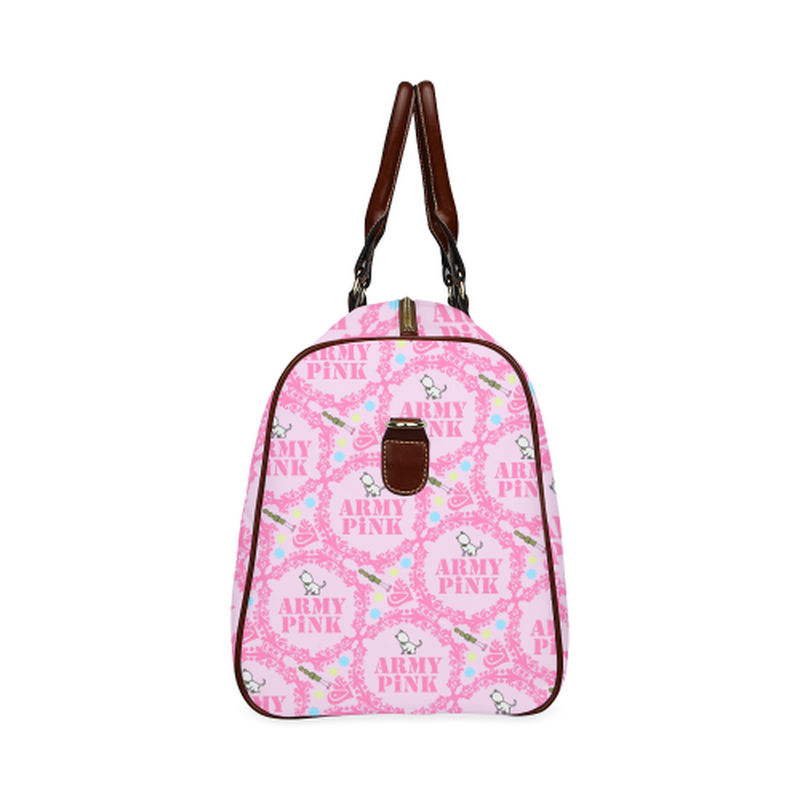 Small pink wreath Travel Bag for  at ARMY PINK
