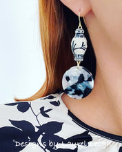 Load image into Gallery viewer, Chinoiserie Ginger Jar Round Tortoise Shell Earrings - Black or Brown