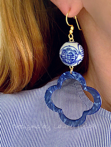Blue and White Chinoiserie Quatrefoil Statement Earrings - Royal Blue Marbled Tortoise - Ginger jar