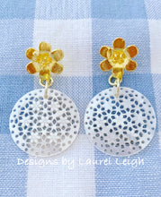 Load image into Gallery viewer, Floral Mother of Pearl Earrings - Ginger jar