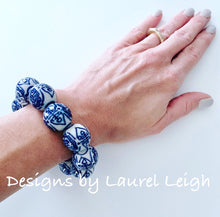 Load image into Gallery viewer, Chunky Blue and White Chinoiserie Chinese Symbol Beaded Statement Bracelet - Ginger jar