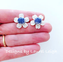 Load image into Gallery viewer, Chinoiserie Mother of Pearl Dogwood Blossom Earrings