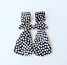 Load image into Gallery viewer, Black & White Speckled Dot Earrings - Ginger jar