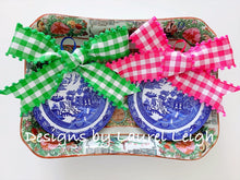"Load image into Gallery viewer, Blue Willow Plate Christmas Ornament 4"" - Pick Ribbon"