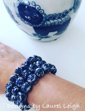 Load image into Gallery viewer, Blue and White Chinoiserie Beaded Bracelet - Chinese Symbol Pattern - Ginger jar