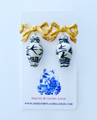 Chinoiserie Ginger Jar Bow Statement Earrings - Black & White