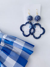 Load image into Gallery viewer, Blue and White Chinoiserie Quatrefoil Statement Earrings - Royal Blue Marbled Tortoise - Ginger jar