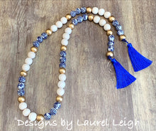 Load image into Gallery viewer, Chinoiserie Blue and White Beaded Tassel Garland
