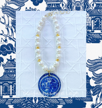 Load image into Gallery viewer, Chunky Pearl & Blue Willow Chinoiserie Pendant Statement Necklace - Ginger jar