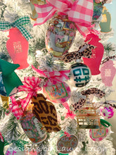 Load image into Gallery viewer, Chinoiserie Double Happiness Christmas Ornament - Matte Finish - Regular Size - Ginger jar