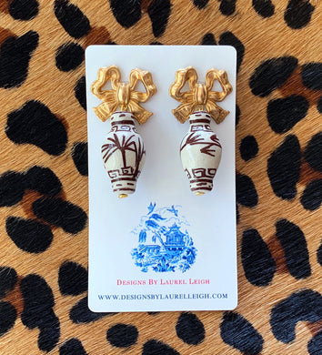 Chinoiserie Ginger Jar Bow Statement Earrings - Brown & White