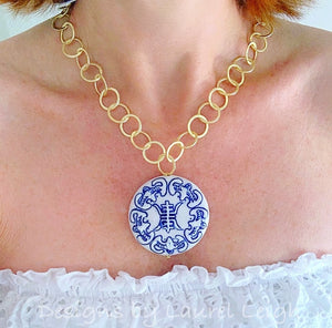 Chinoiserie Gold Adjustable Chain Pendant Statement Necklace - Ginger jar