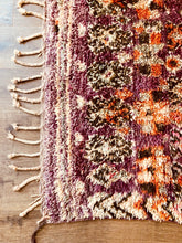 Load image into Gallery viewer, Vintage Safaa Moroccan Boujad Rug 360 x 200cm.