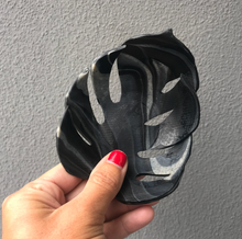Load image into Gallery viewer, ONLINE - Polymer Clay Monstera Leaf Trinket Dish