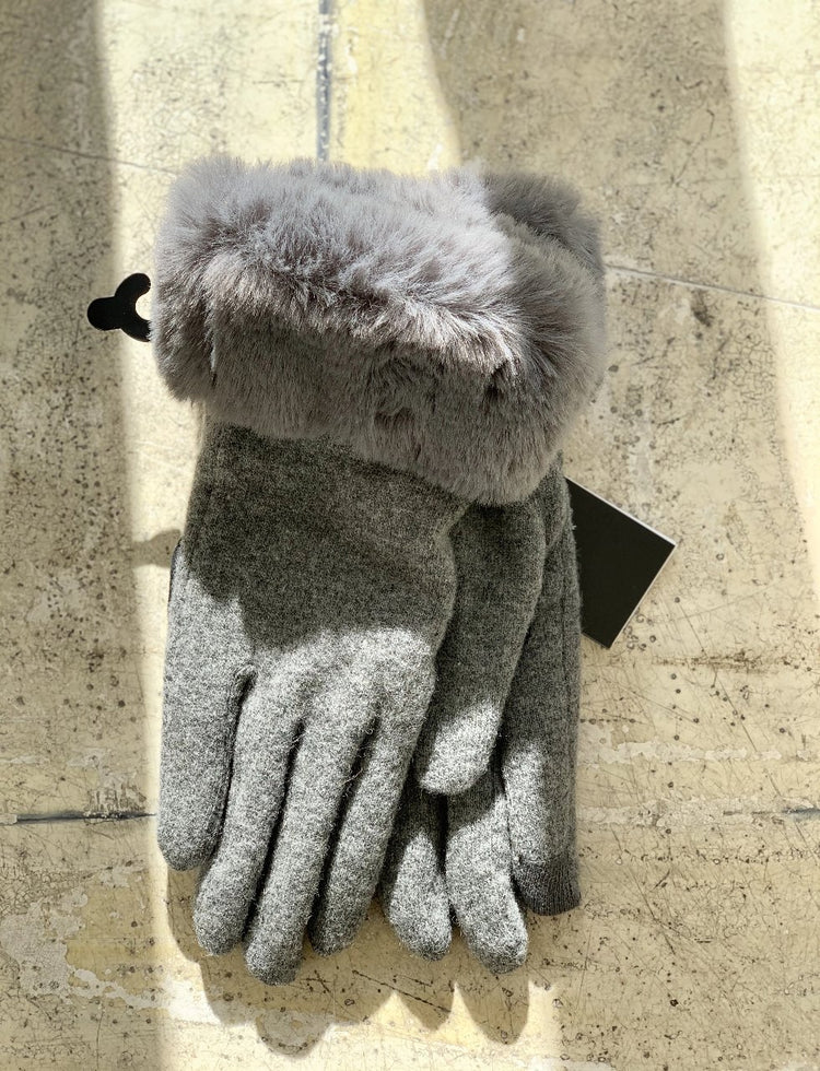 Echo - Faux Fur Cuff Glove