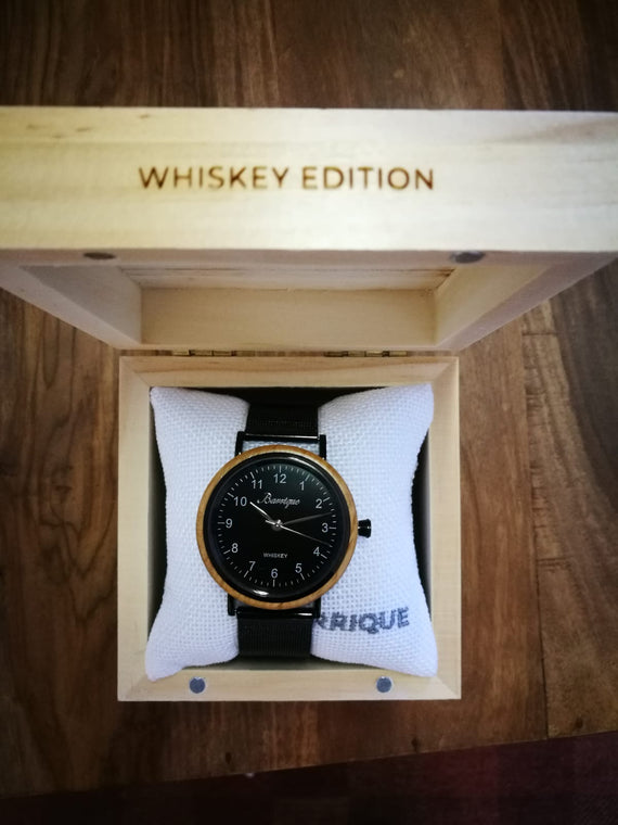 Whiskey Black Dial Men Mesh Strap