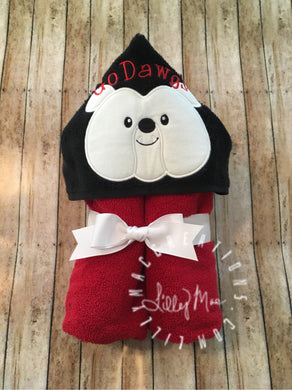 Bulldog Hooded Towel