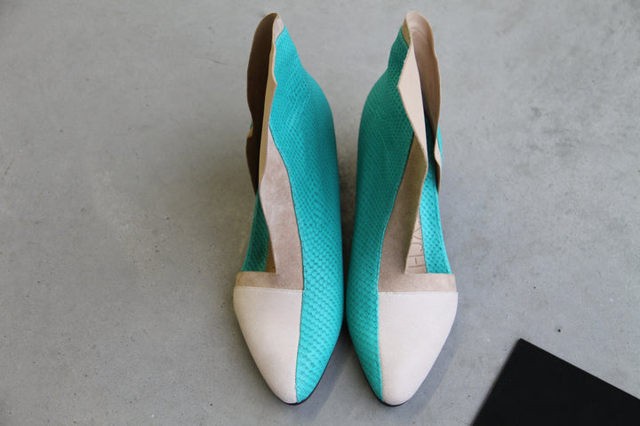 TRIPTYCH shoe 111 in colorway cream aqua