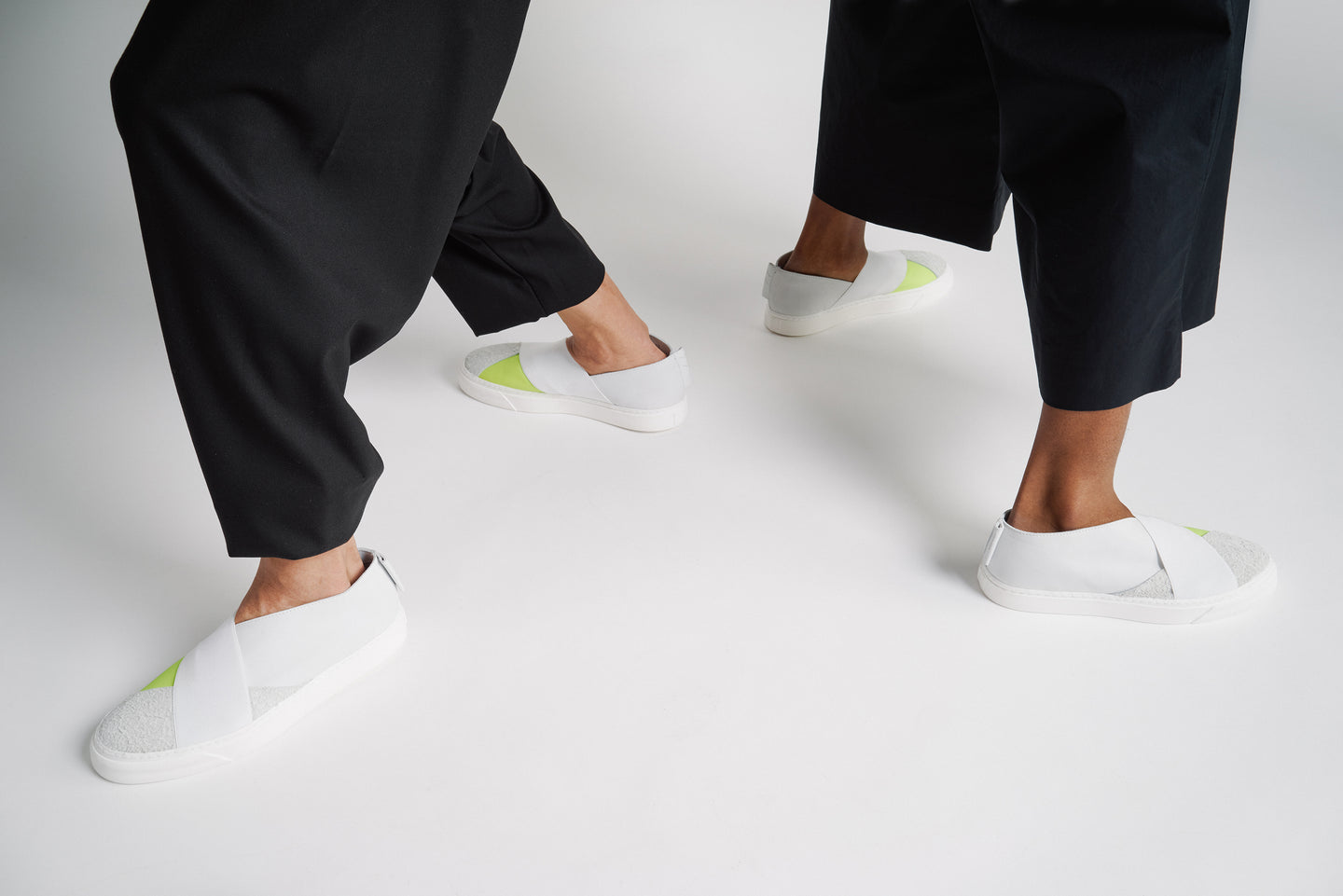 UNISEX SNEAKER WITH NEON AND WHITE LEATHER
