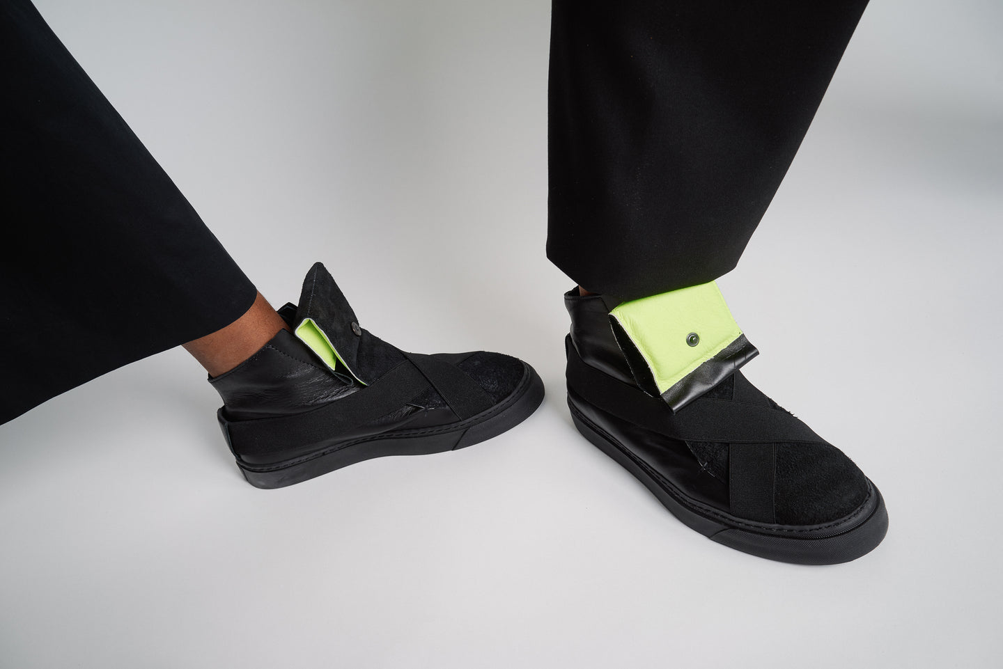 HIGH TOP UNISEX SNEAKERS WITH NEON AND BLACK LEATHER