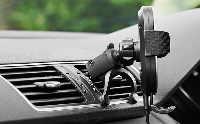 DashCharge wireless car mount adjustable view