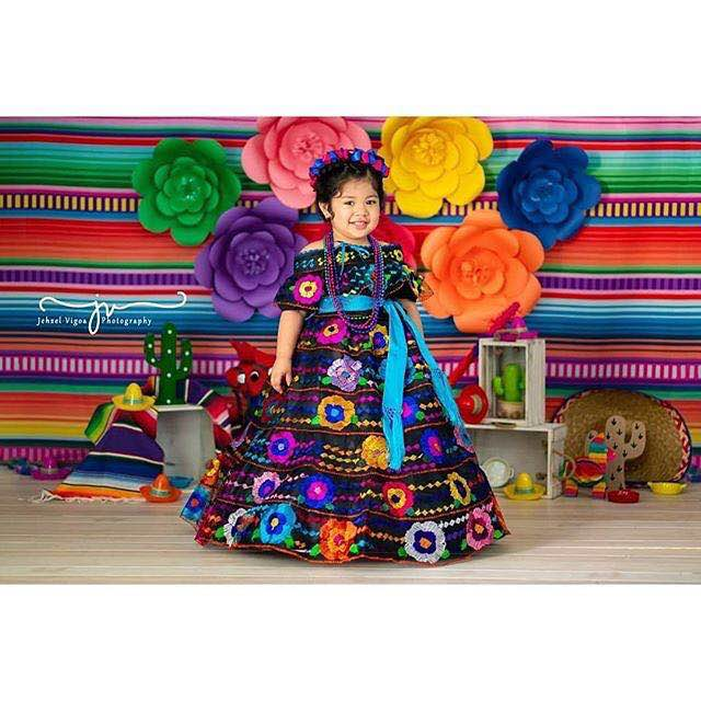 Colourful Mexican Party Backdrop