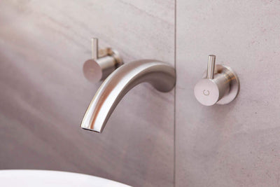 SPOUT21B Clas 183mm Brushed Nickel