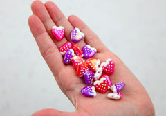 Kawaii Beads - 16mm Amazing AB Strawberry Acrylic or Resin Beads - 18 pc set