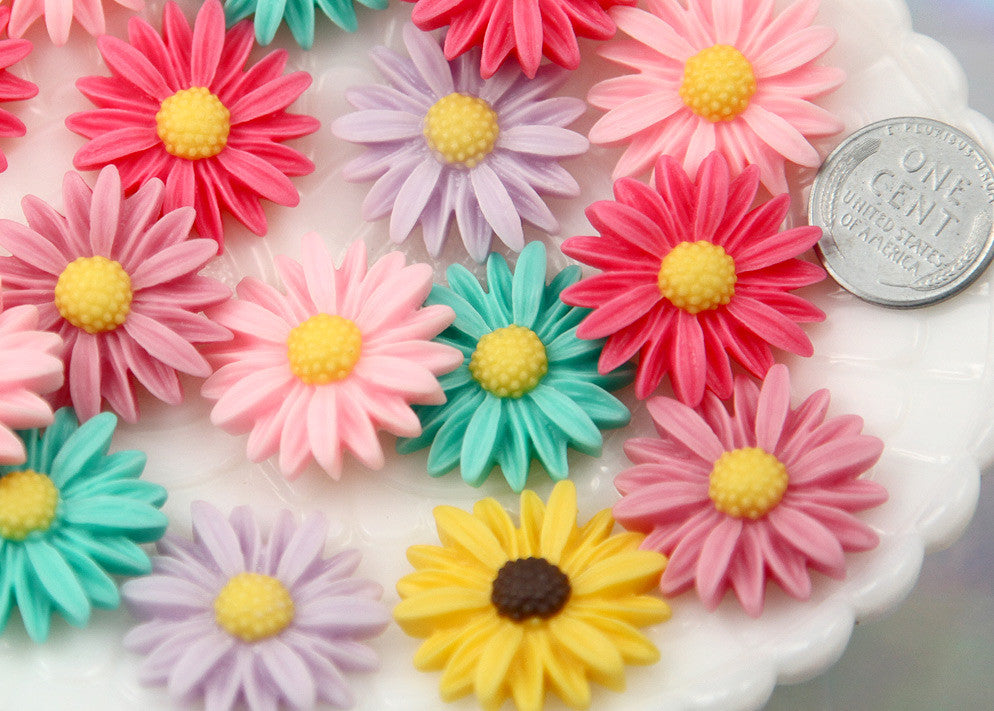 25mm Antique Style Pastel Daisy Flower Flatback Resin Cabochons - 6 pc set