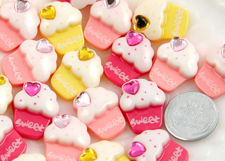 20mm Small Cupcake Resin Cabochons - 8 pc set
