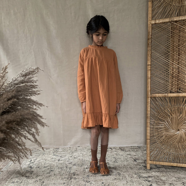 Daily Brat UK Organic cotton brown dress sustainable conscious oversized lois