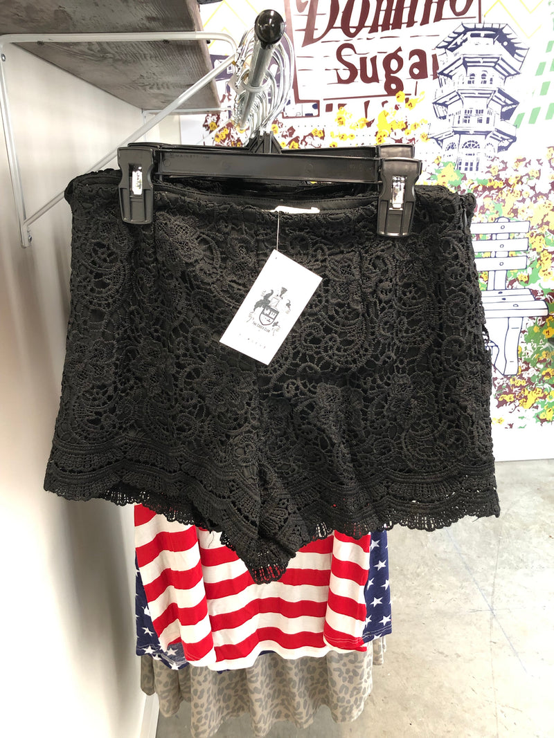 Senorita Shorts in Black