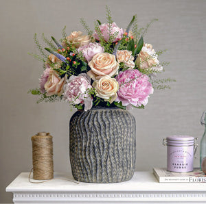 My beautiful flower subscription experience - Cordelia's House of Treasures