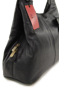 Gigi - Women's Leather Shoulder Bag - OTHELLO 4326 - with heart keyring charm - Black - Cordelia's House of Treasures