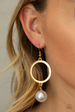 Load image into Gallery viewer, Paparazzi - SoHo Solo - Gold Earrings - Classy Jewels by Linda