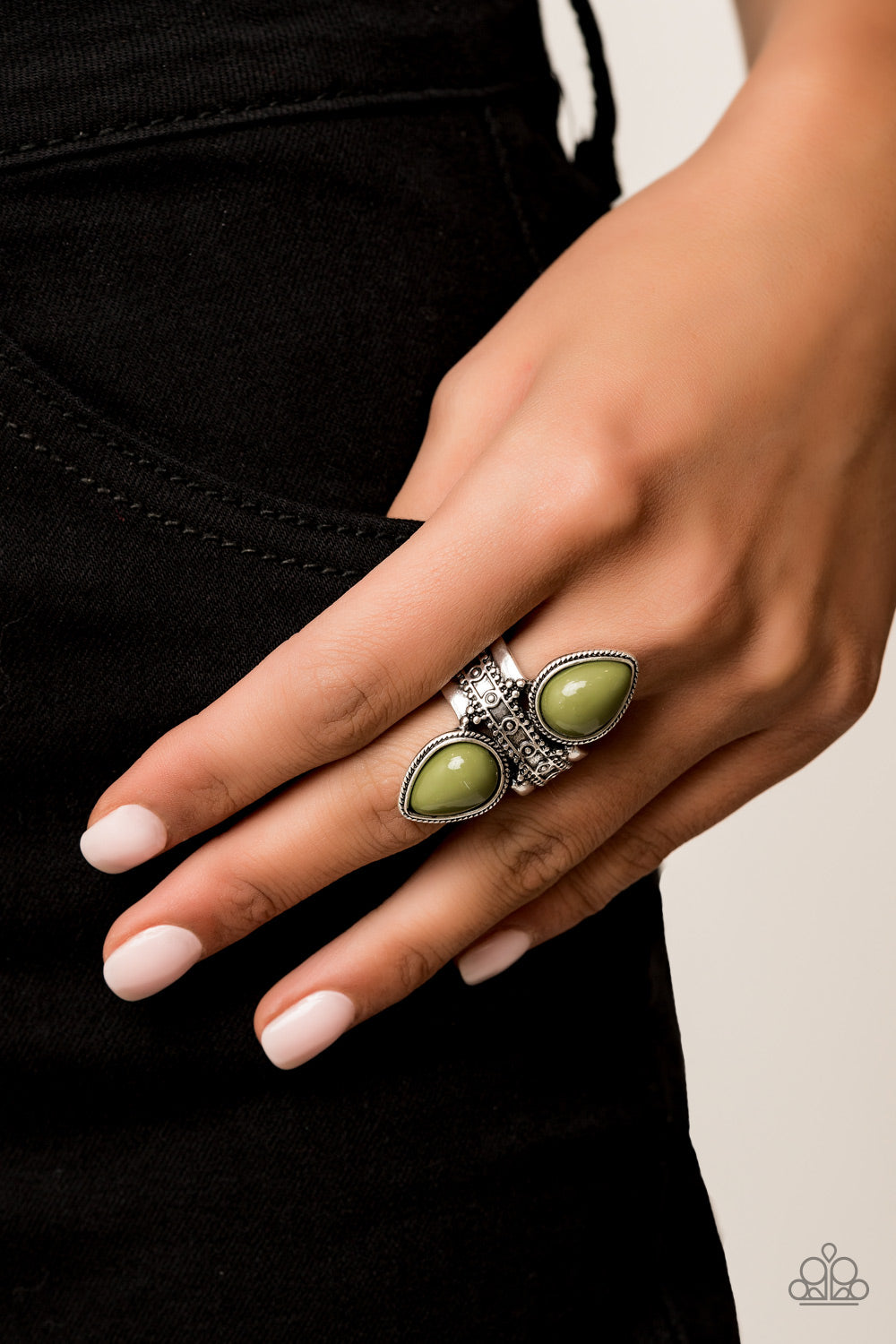 Paparazzi - New Age Leader Ring - Classy Jewels by Linda
