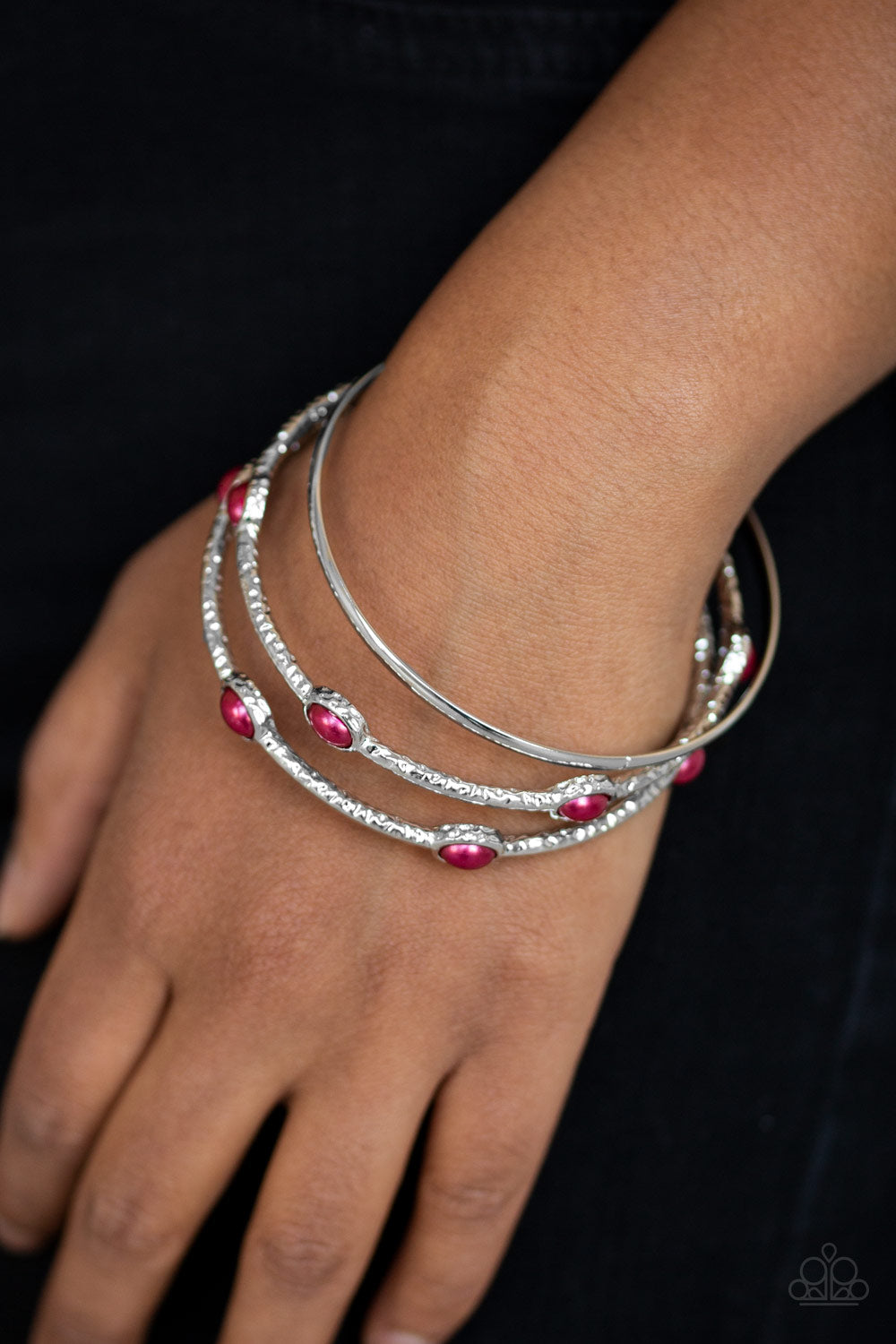 Paparazzi - Bangle Belle - Red Bracelet - Classy Jewels by Linda