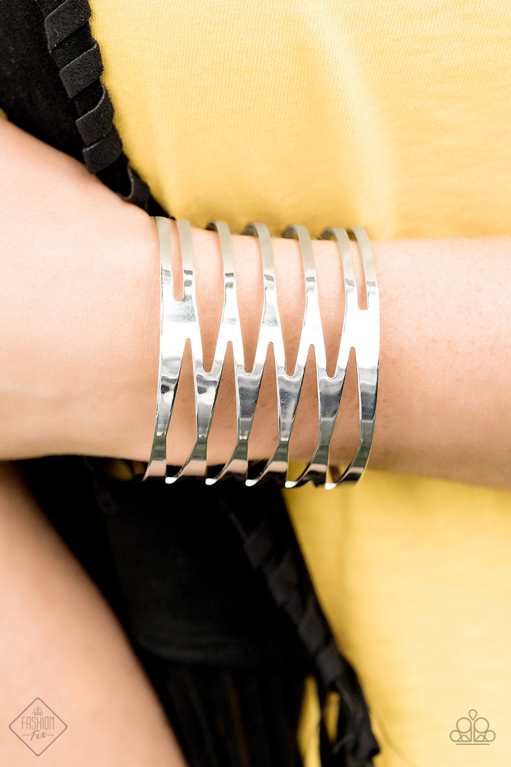 Paparazzi - Keep Them On Edge silver Bracelet - Classy Jewels by Linda