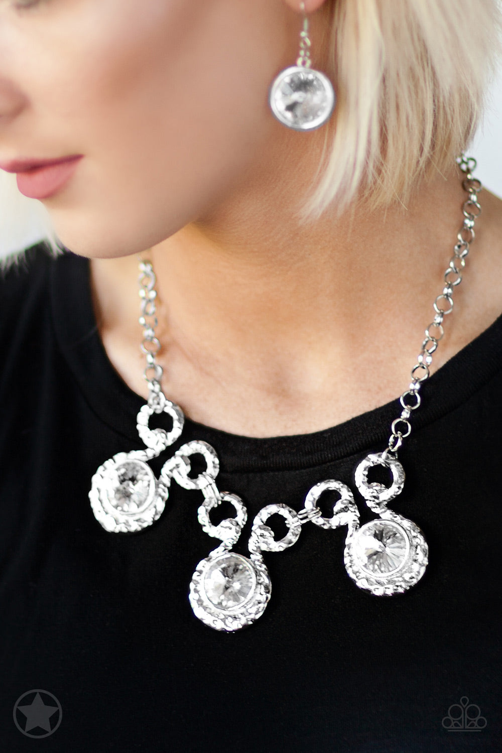 Paparazzi - Hypnotized - Silver Necklace Set - Classy Jewels by Linda