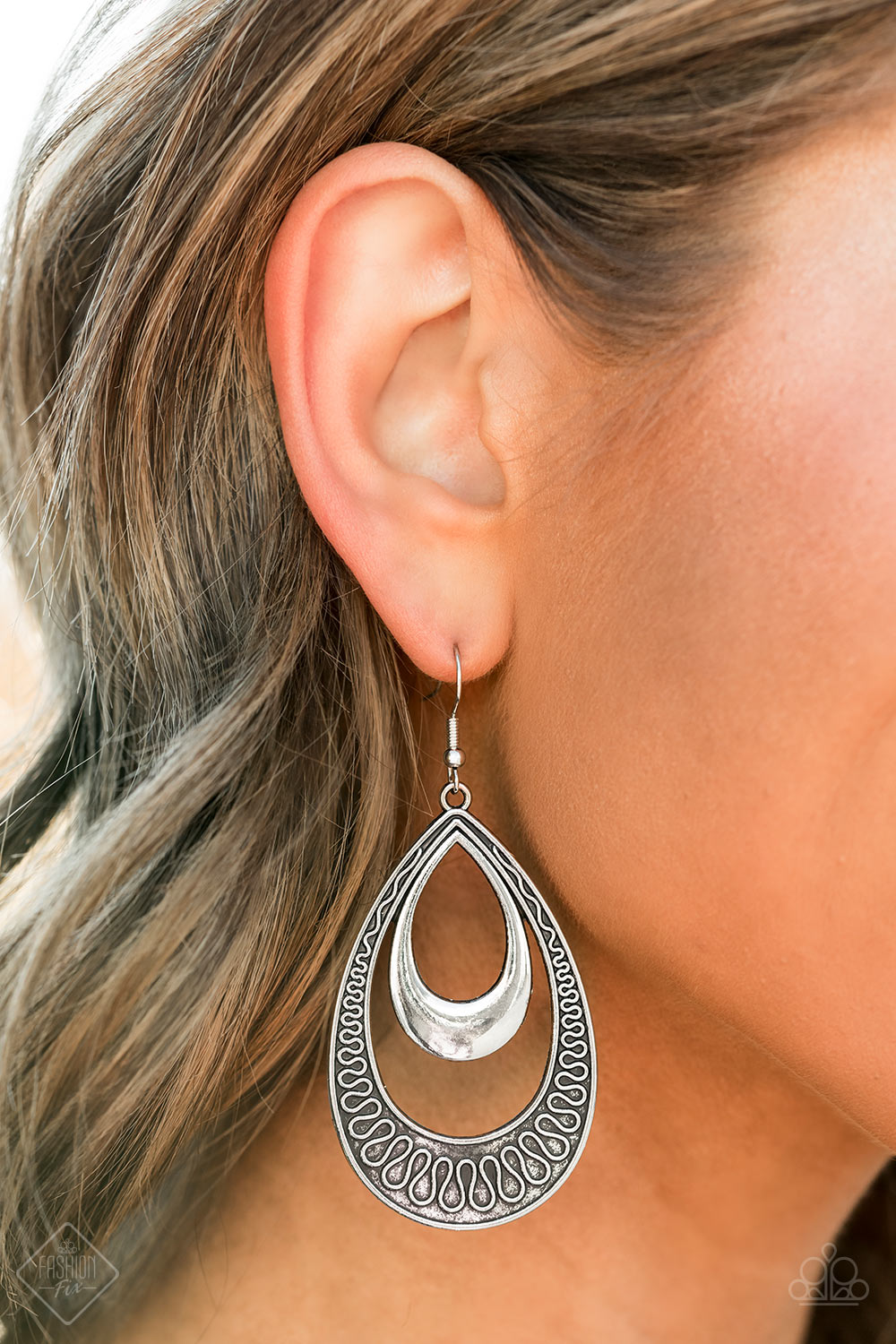 Paparazzi - Sahara Sublime Silver Earrings - Classy Jewels by Linda
