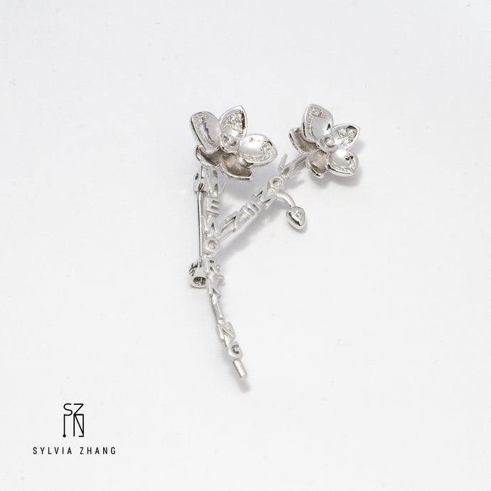 We Working Women Orchid Brooch 兰花胸针