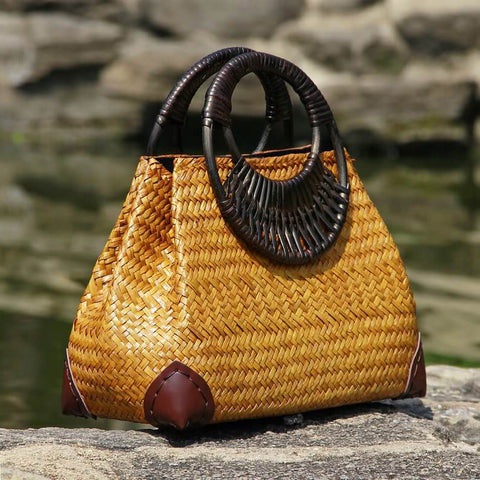Image of Thai version of the women's straw hand bag