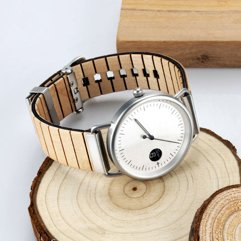 Image of polar bear wood watch 3