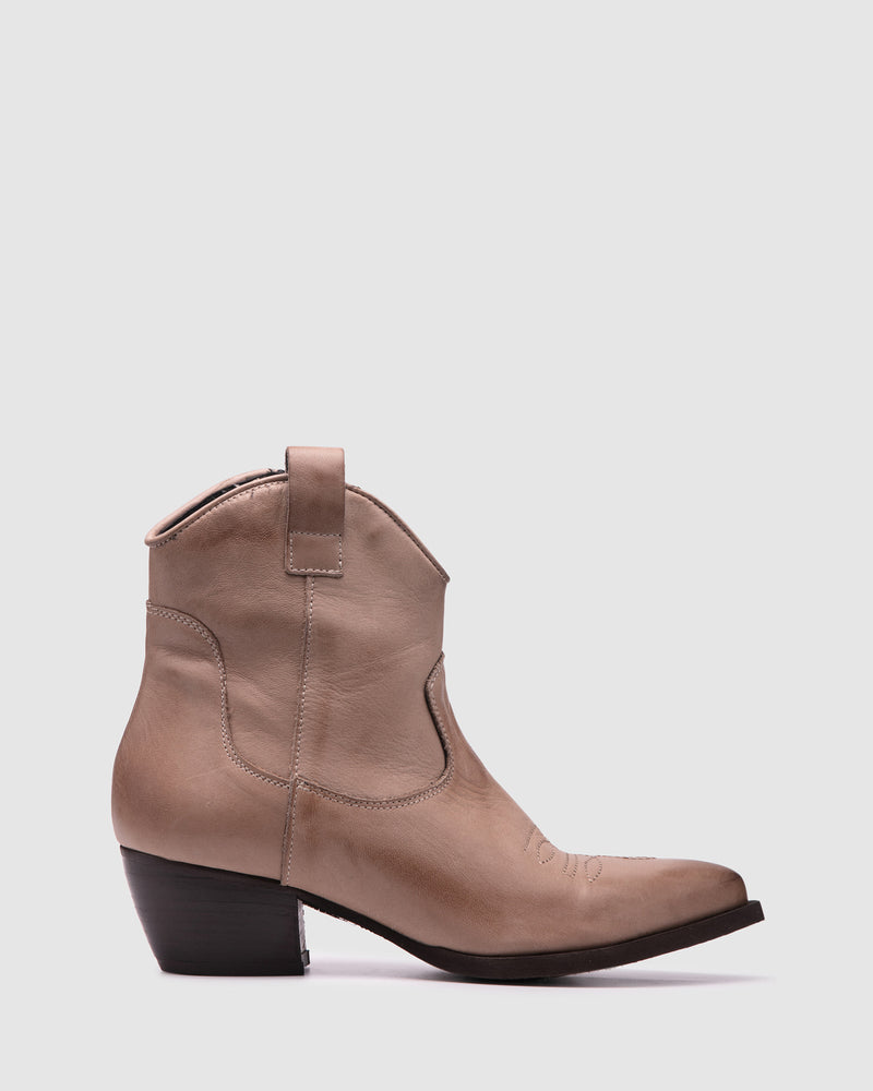 mainland boot - taupe