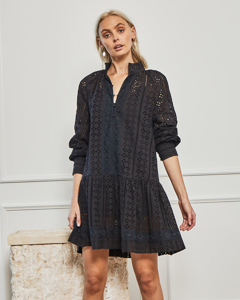retrace dress - black