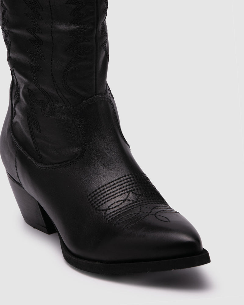 husk boot - black