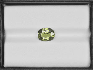 8800655-oval-olive-green-changing-to-yellowish-green-aigs-madagascar-natural-color-change-sapphire-2.30-ct