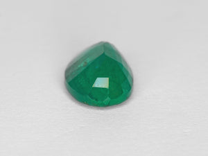 8800204-oval-intense-green-zambia-natural-emerald-3.63-ct