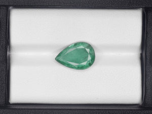 8800557-pear-green-igi-zambia-natural-emerald-3.63-ct